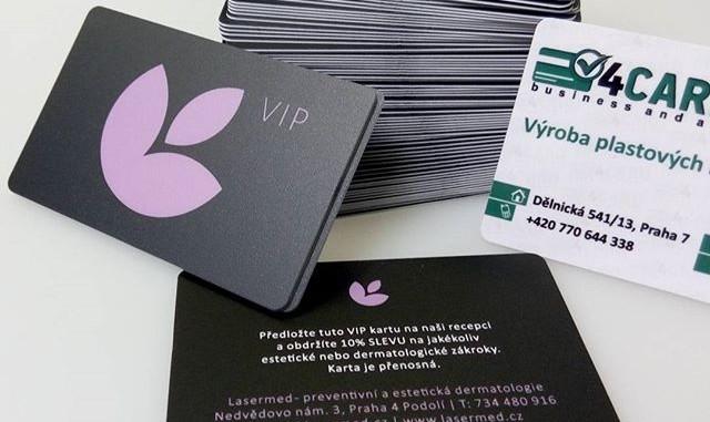 Plastové karty